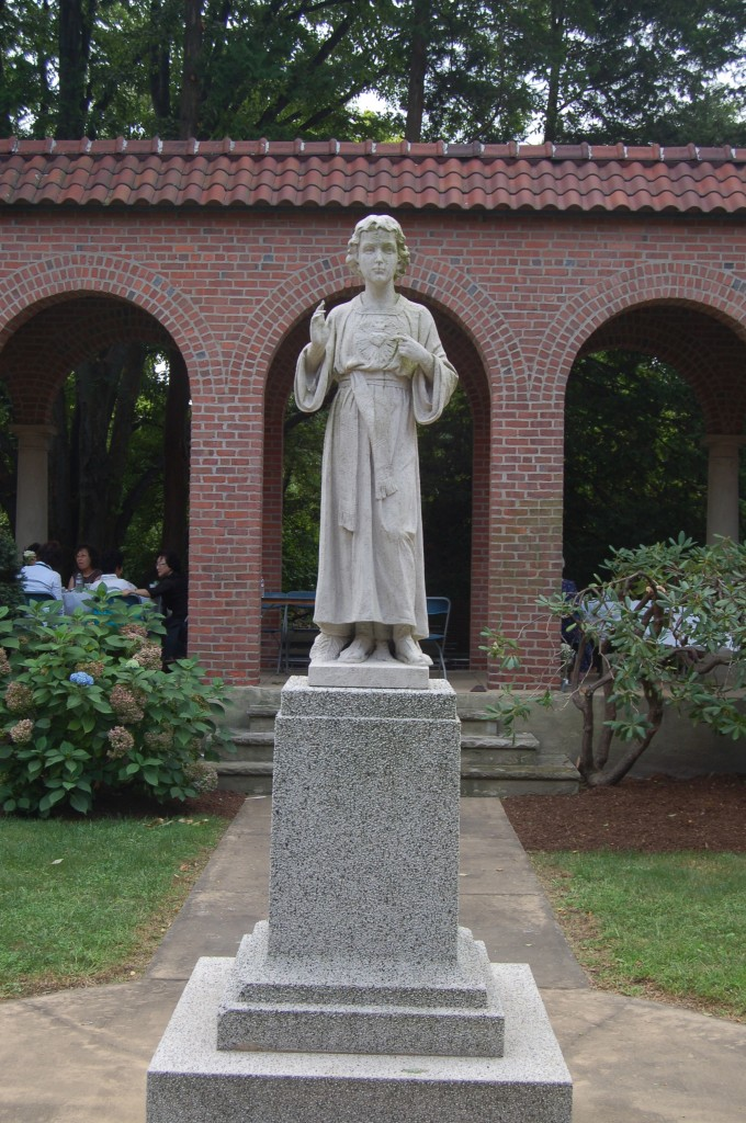 Statue of the Sacred Heart of the Boy Jesus