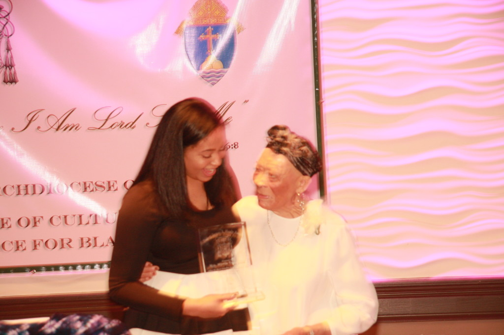 Myrtle Cruz with her granddaughter Sydni Williams