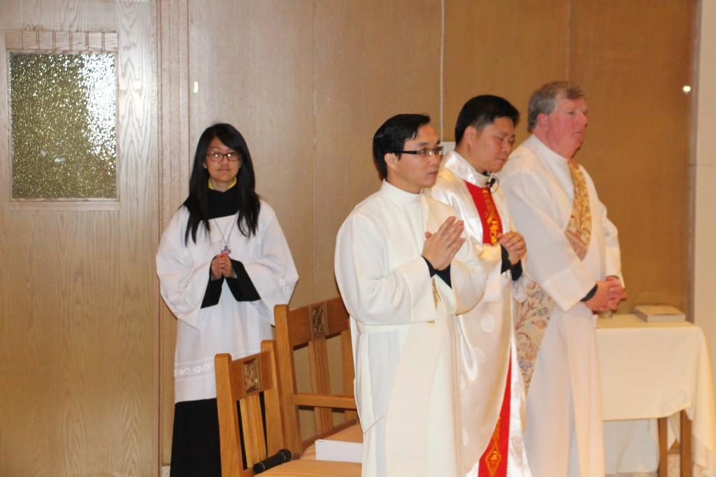 Fr. Linh Nguyen leading Mass